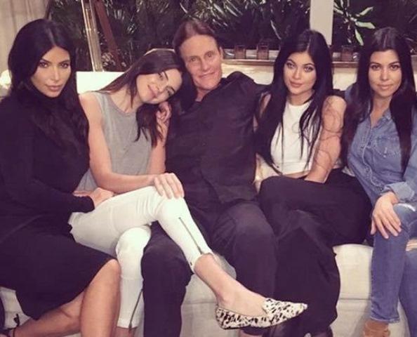 Един богат мъж имал четири красиви съпруги. Когато бил на смъртно легло и ги помолил за едно единствено нещо, те…